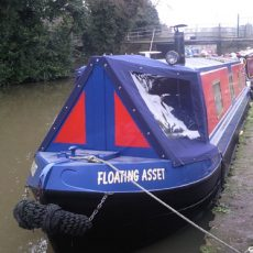 Cratch-cover-narrowboat.jpg